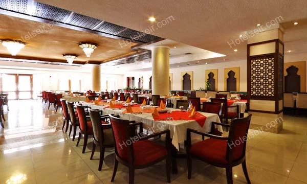 تصویر 6، رزور هتل صفائیه یزد
