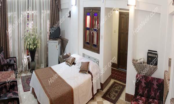 تصویر 3، رزرو هتل آنتیک ملک التجار یزد