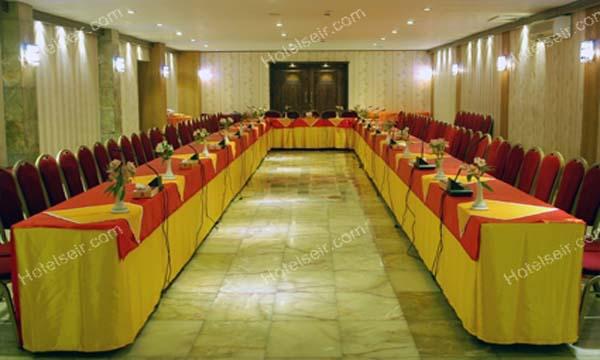 تصویر 6، رزور هتل عالی قاپو اصفهان