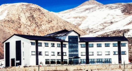 هتل پولاد کف سپیدان